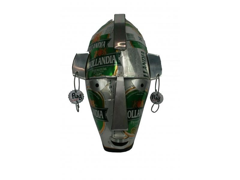 Maska z recyklovaného plechu