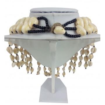 Náhrdelník - mušle, 4 řady + pruhy , skl. korálky, zap. mušle