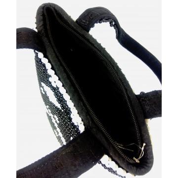 Korálková kabelka s ušima