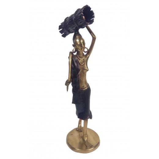 Soška bronzová - žena nosící dřevo