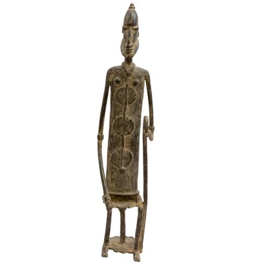 Bronzová soška - dogonský předek sedící s holí