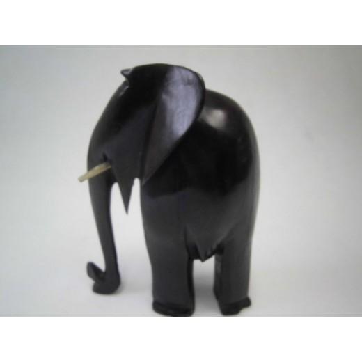 Slon z ebenového dřeva