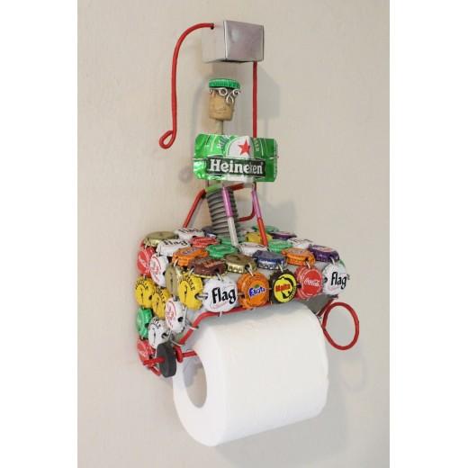Stojan na toaletní papír z recyklovaných víček