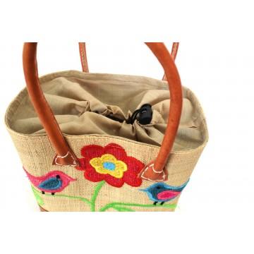 Dětský vyšívaný košík z palmových vláken