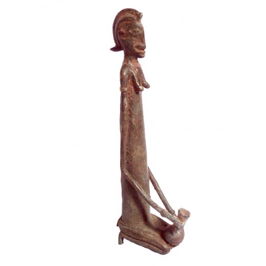 Sedící žena se džbánem, bronz 306 --PŘIPRAVUJEME...momentálně neprodejné