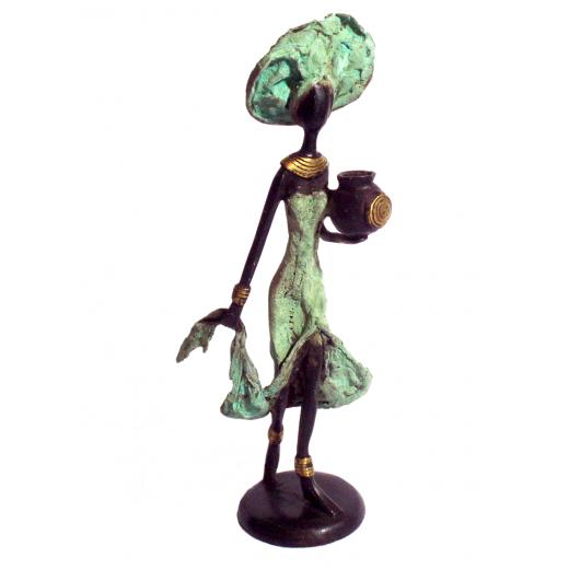 Bronzová soška - žena se džbánem