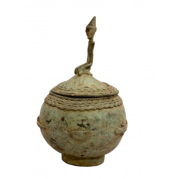 Bronzové nádoby, misky, dózy
