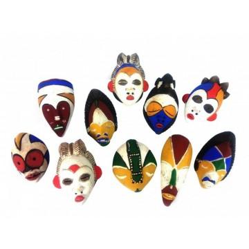 Masky z terakoty